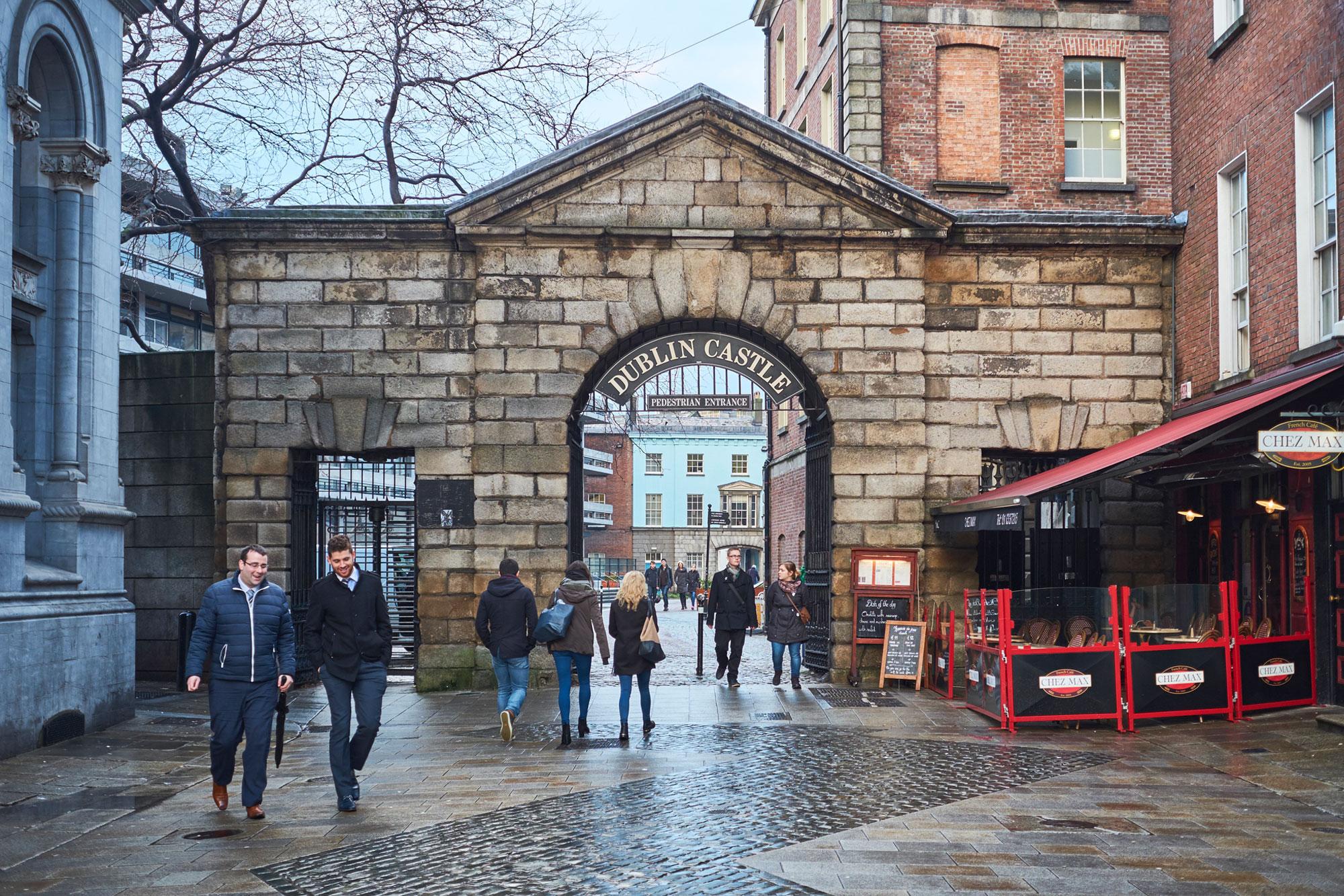 The gate at Dublin castle