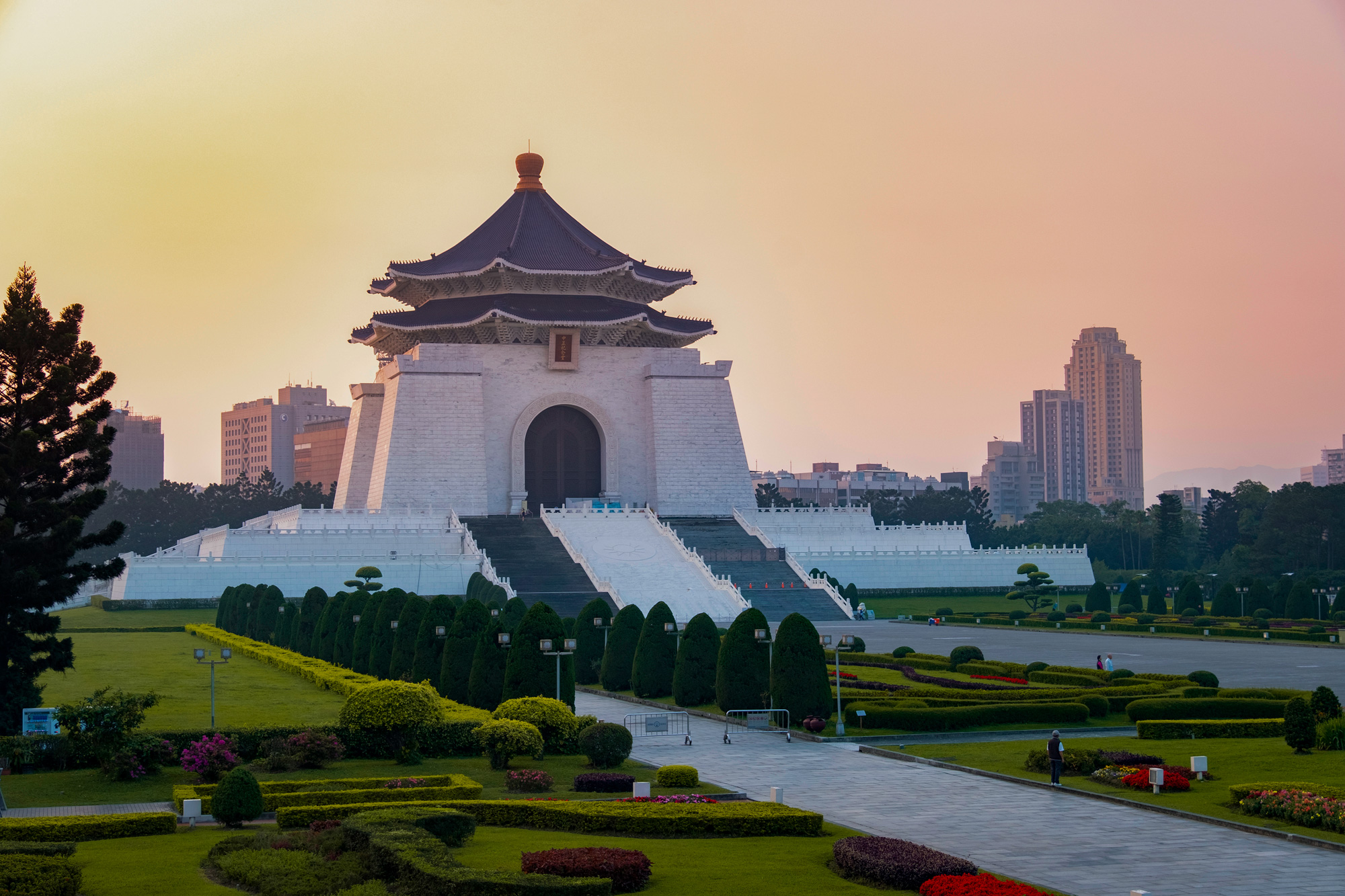 Sunset at the National Chiang Kai-shek Memorial Hall, Taipei, Taiwan